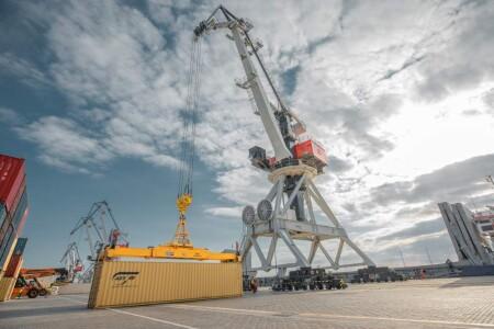 Yüklərin konteynerlərlə Orta Asiyaya fasiləsiz olaraq çatdırılması təmin edilir